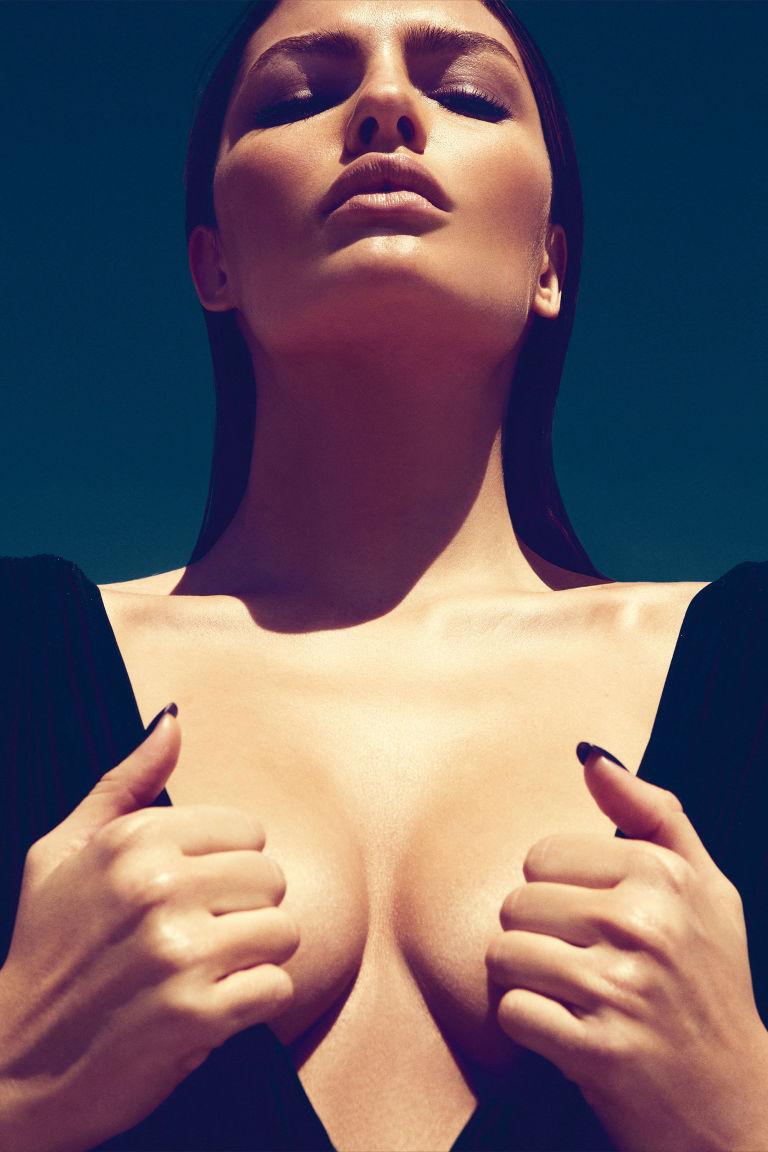 Accede a 3 boob job