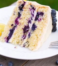 If You Have 4 Hours To Kill & Feel Like Making A Cake THIS Lemon Blueberry… 2