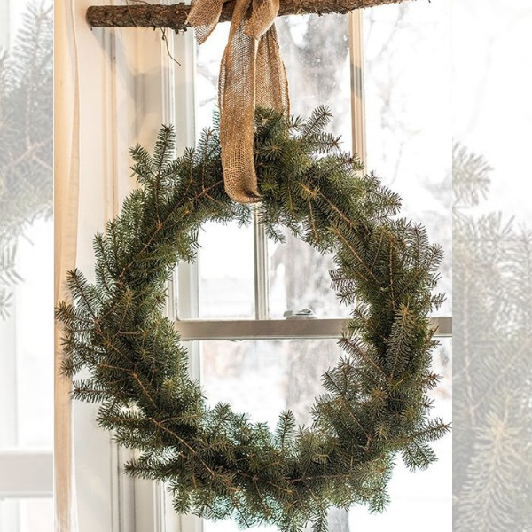 DIY Holiday Window Wreath
